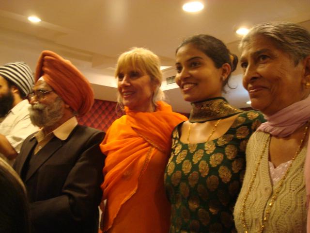 Jutta mit Braut und Eltern