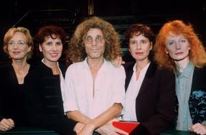 Apo-Veteran Langhans mit seinen vier Freundinnen