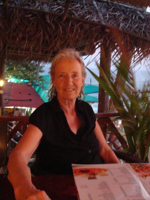 Das bin ich beim Abendessen, unten das Meer, Brigitte fotografiert